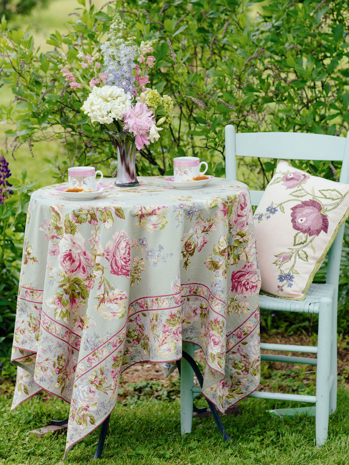 Victorian Rose Tablecloth - Sage | Table Linens & Kitchen ...