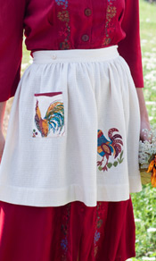 Rooster Emb Skirt Apron