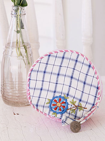Aunt Gertie's Patchwork Round Cosmetic Bag