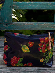Strawberry Oil Small Cosmetic Bag