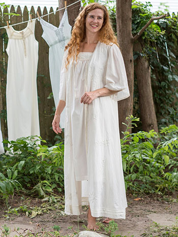 Wander Dressing Gown