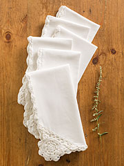 Romantic Crochet Trim Napkin Set