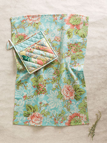 Garden Patchwork Pocket Potholder Set