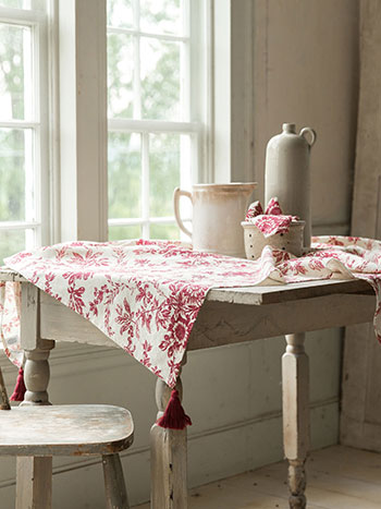 Felicity's Flowers Tablecloth